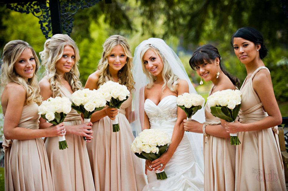 Прически для свадьбы для подружки невесты фото