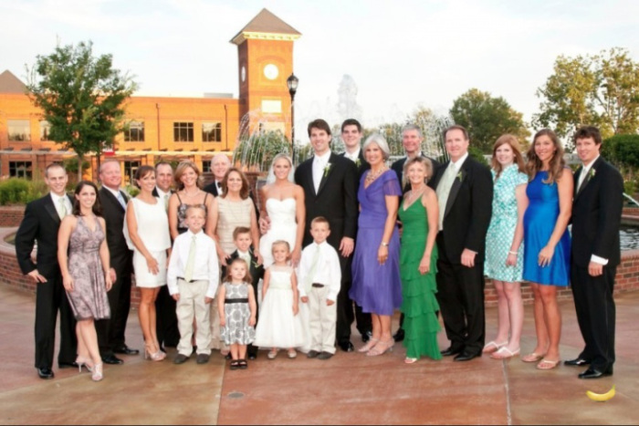 Родственников жениха и невесты не спутать.