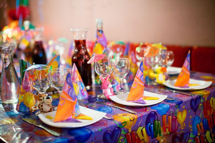 Как украсить стол детский на день рождения своими руками фото