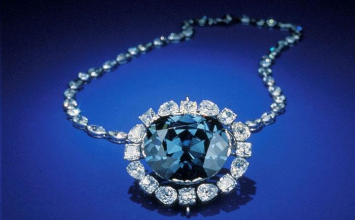Синий бриллиант «Надежда». | Фото: novate.ru
