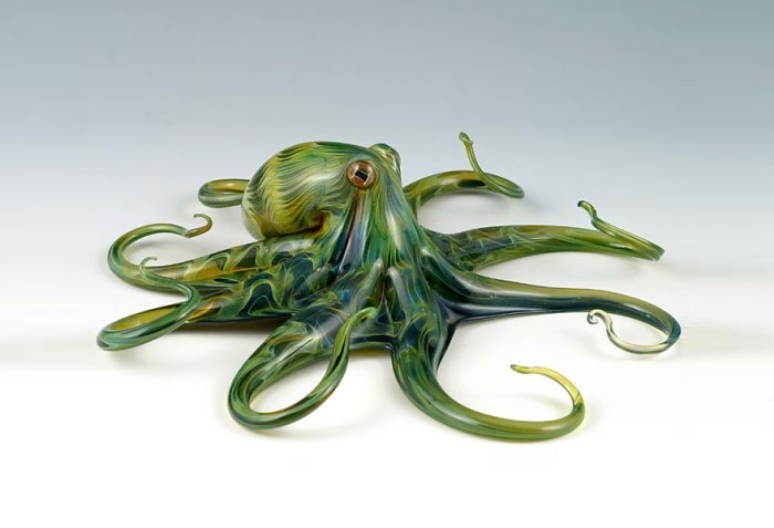 Стеклянный осьминог тонкой ручной работы