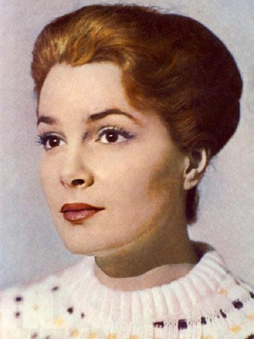 В рейтингах самых красивых советских актрис Элина Быстрицкая — на первом месте.