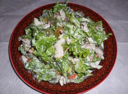 Рецепт салата с копченой курицей и виноградом рецепт пошагово