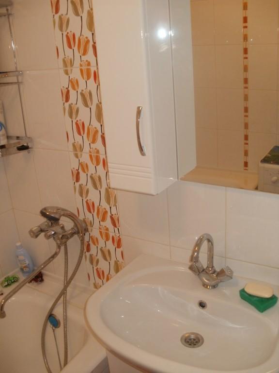Как сделать ремонт в ванной в хрущевке своими руками недорого 66