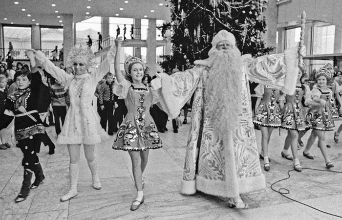 Дед Мороз, Снегурочка и прочие.