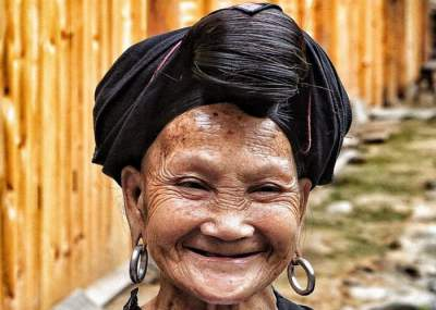 Жительницы этой деревни стригутся лишь раз в жизни. Фото