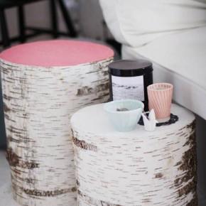столики из березовых бревен