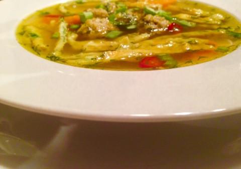Суп с яичным блинчиком, для разнообразия