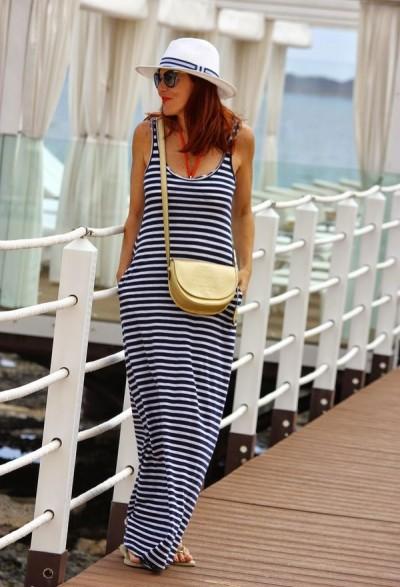 платье-майка в курортном образе для 50-летней
