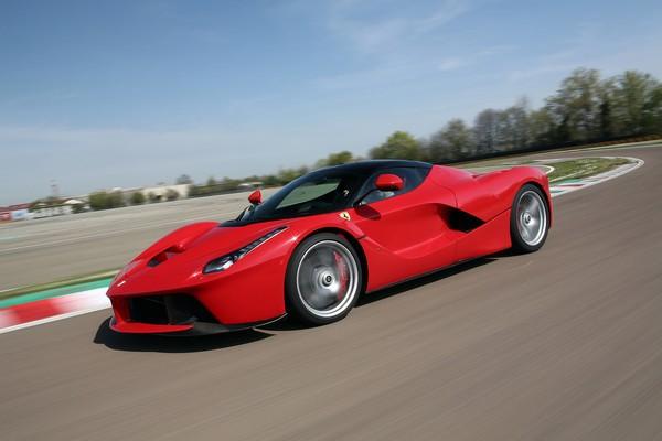 8. Ferrari La Ferrari авто, факты