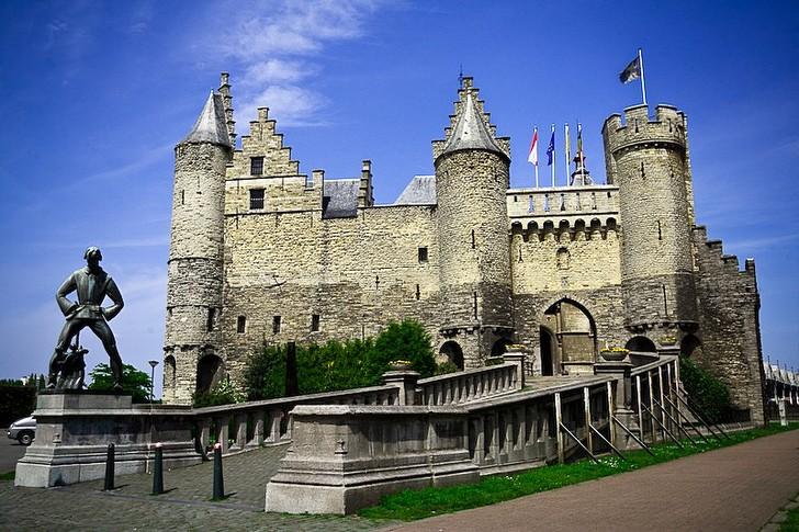 Замок Стен (Антверпен)