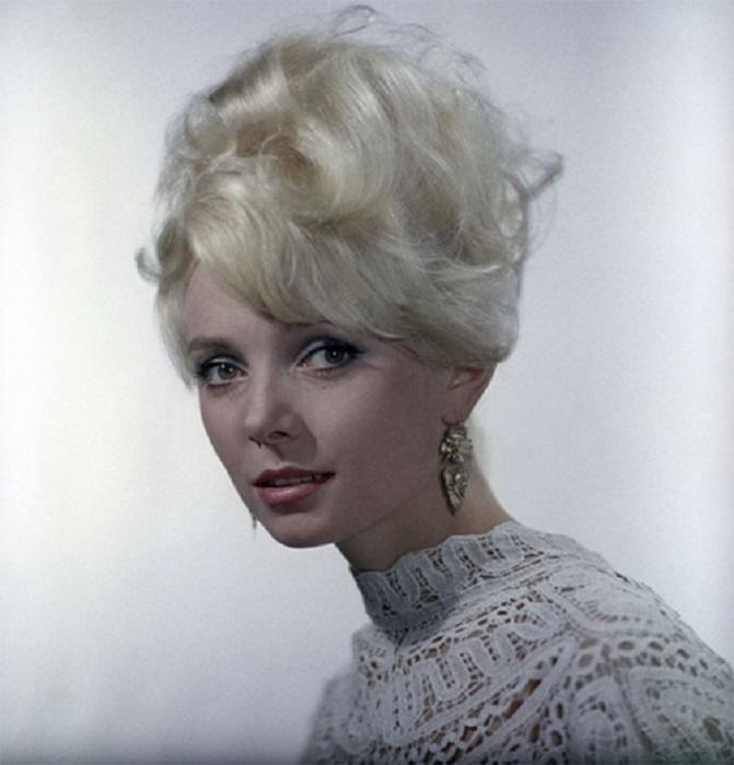 Удивительно красивая и нежная женщина, всегда пользовалась успехом у мужчин.