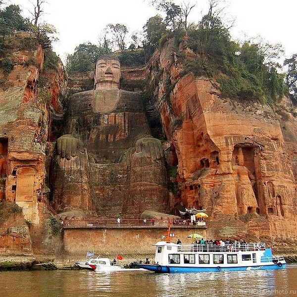 1.Статуя Будды Майтрейи (Maitreya) в Лэшане, Лэшань, Китай. история, факты