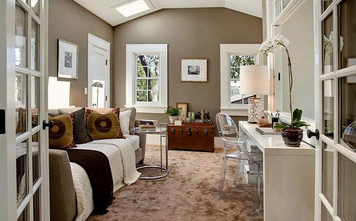 Стильная спальня с домашним офисом