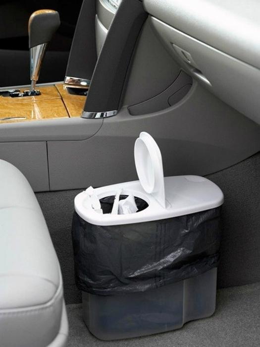 Компактное мусорное ведро - незаменимая вещь в салоне автомобиля.