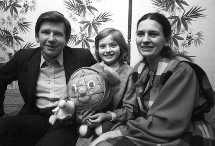 Катя Лычева с родителями | Фото: rg.ru