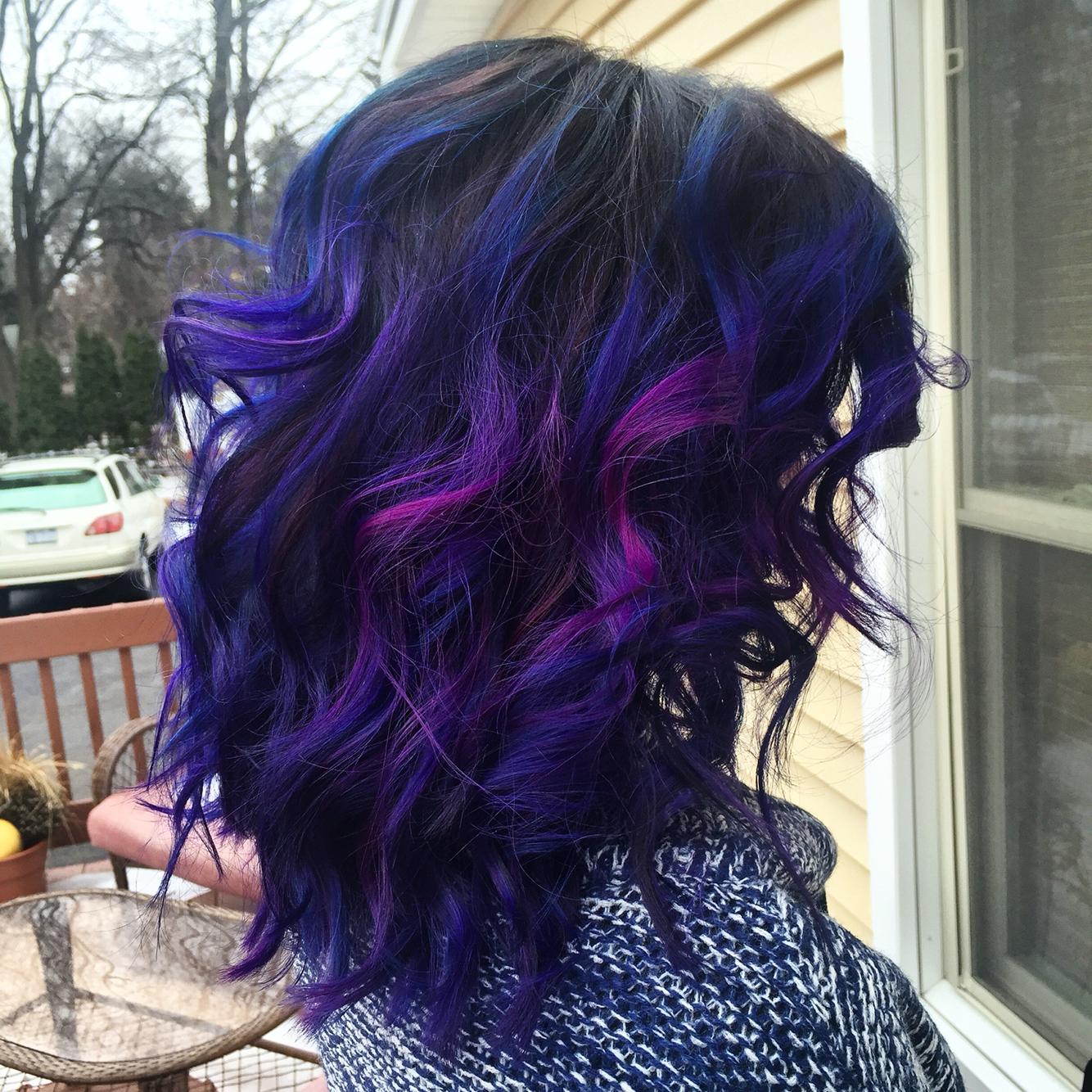 Как покрасить волосы в синий цвет: шевелюра голубого холодного оттенка 61