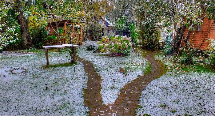 Первый снег/3673959_1 (700x379, 171Kb)