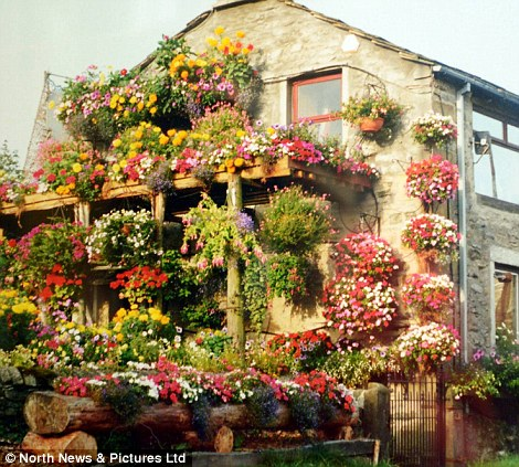 390 Цветочный дом