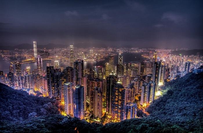 Самая высокая точка острова Гонконг, получившая свое название в честь королевы Виктории.