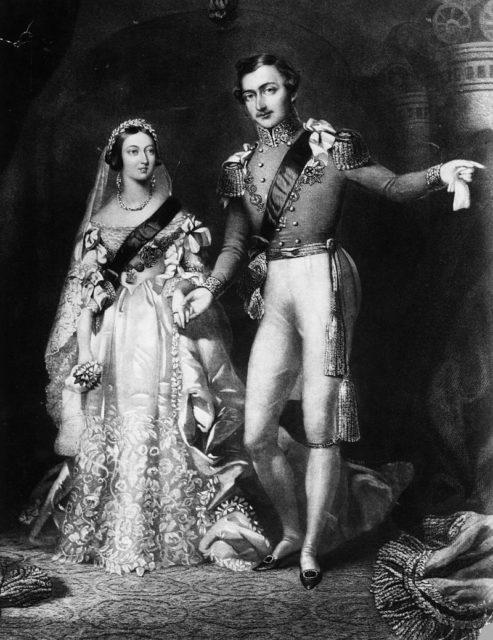 10 февраля 1840 года: королева Виктория (1819 - 1901) и принц Альберт (1819 – 1861), возвращающиеся с церемонии бракосочетания во Дворце Сент - Джеймс.