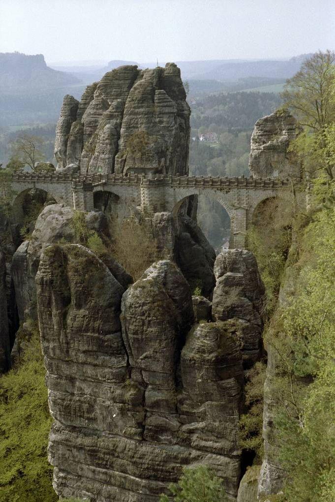 Bastei01 Бастай   каменный бастион Саксонии