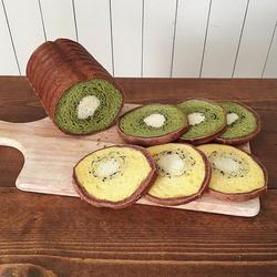 Любой каприз для любимого сына: японка печет хлеб с разнообразными рисунками внутри буханки