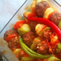 Котлеты,запечённые с овощами в духовке! (Себзели фирин кофтеси)
