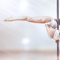 Самый сексуальный и женственный вид спорта – танец на пилоне