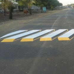 """Пешеходные """"зебры"""" с 3D эффектом в Индии"""