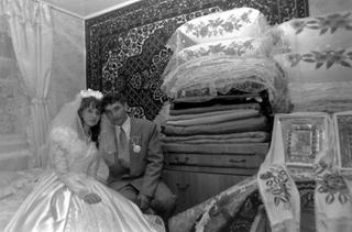А свадьба пела и плясала: 17 свадебных ретро фотографий советских времён