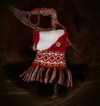 Вяжем крючком рюкзачок с этническим орнаментом