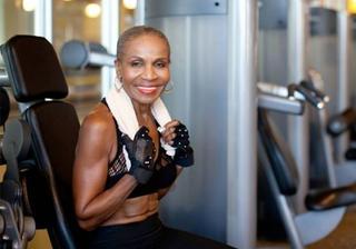 Самой мускулистой бабушке в мире исполнилось 80 лет
