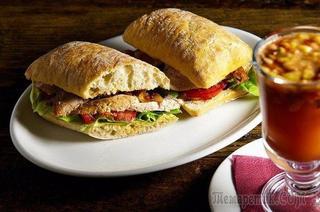 Тёплый сэндвич с куриной грудкой