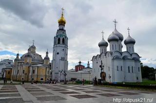 Софийский собор и колокольня в Вологде