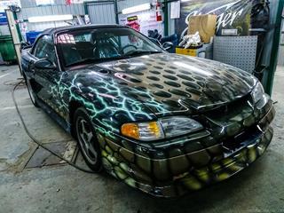 Ford Mustang в безумном тюнинге из 90-х