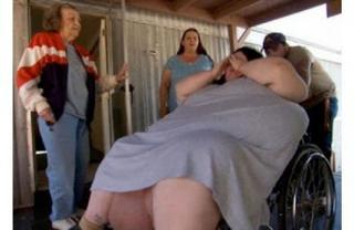Женщина весом в 272 кг родила 18-килограммового ребёнка