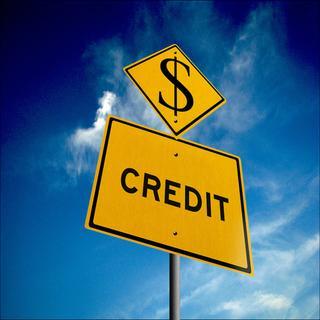 """Осторожно, кредит! 5 причин отказаться от """"помощи"""" банка"""