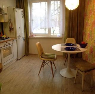 Кухня: на северной стороне, но светлая и яркая