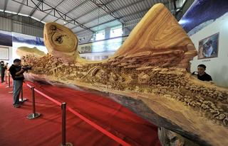 Удивительная резная скульптура за 4 года...