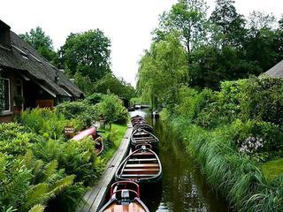 """Весна на голландских улицах: сказочное место, получившее славу """"Северной Венеции"""""""