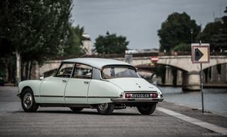Знаменитые французские автомобили на гидравлике