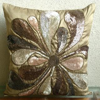 Подушки с бисером и паетками - украшение нашего дома