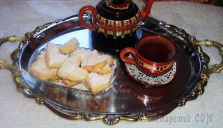 Курабье-восточная сладость,получившая большую популярность!!! Нежное, рассыпчатое, тающее во рту, очень вкусное печенье с лёгким ароматом ванили..!!!
