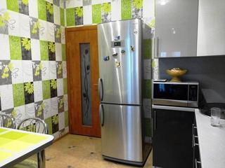 Кухня: серая с акцентным зеленым
