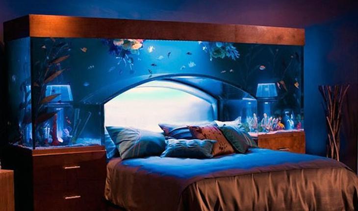 Аквариум в интерьере: интересные идеи: <b>Аквариум-кровать</b> – это самое необычное изголовье на планете и, возможно, очень схоже с тем, на котором отдыхает Посейдон. Кровать выполнена