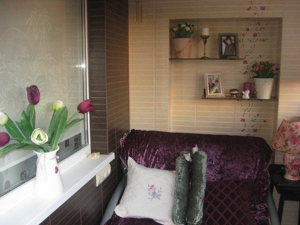 Балкон: из лоджии сделали кабинет, спальню и место уединения