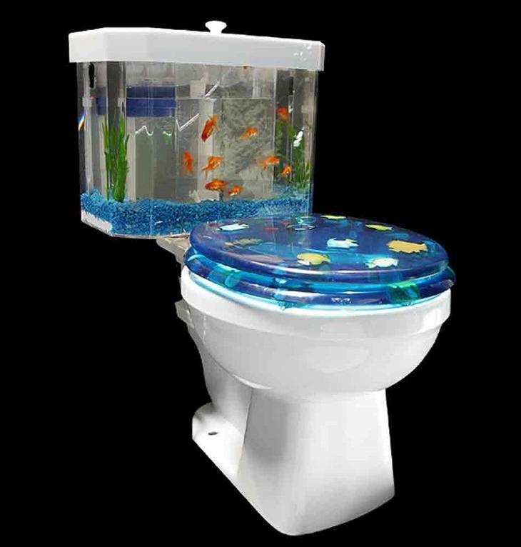 Аквариум в интерьере: интересные идеи: <b>Аквариум-унитаз</b>. Научите человека ловить рыбу, и он будет сыт всю жизнь. Запустите рыбку в унитаз человека, и он никогда не
