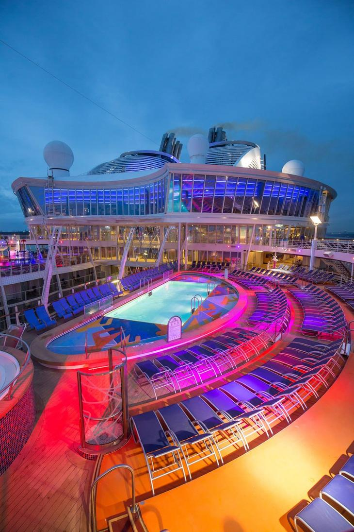 На борту самого большого пассажирского судна в мире