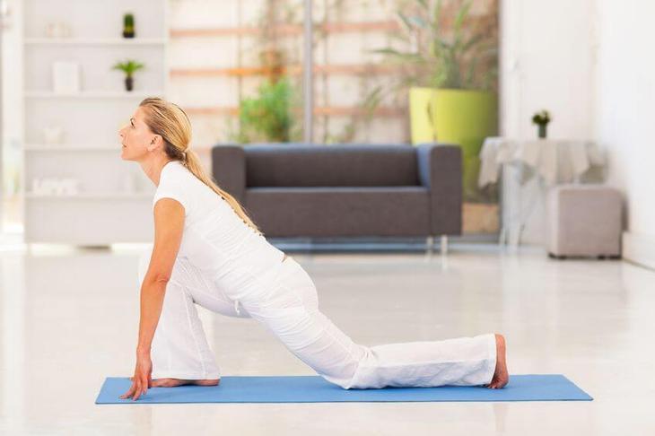 Эффективная тренировка для девушек в домашних условиях